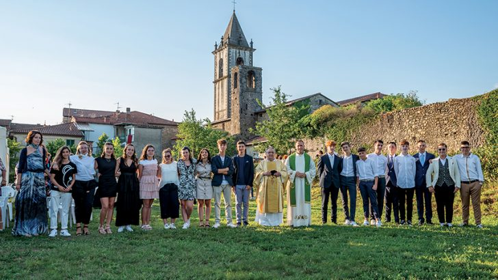 A Filetto grande festa con 19 cresimandi