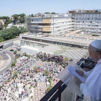 """Papa Francesco: """"Una sanità gratuita e per tutti,  bene prezioso e da mantenere"""""""