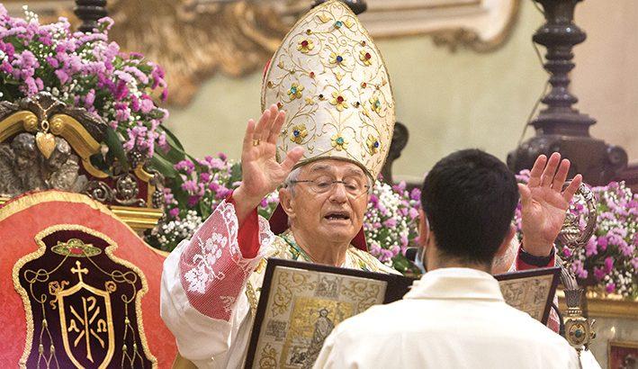 Mons. Ambrosio: la preghiera e l'ascolto sono la mia guida