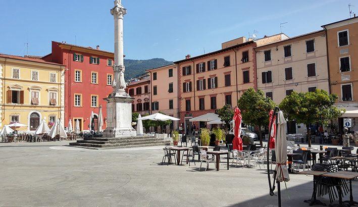 Piazza Mercurio, nel cuore della Massa di Alberico Cybo Malaspina