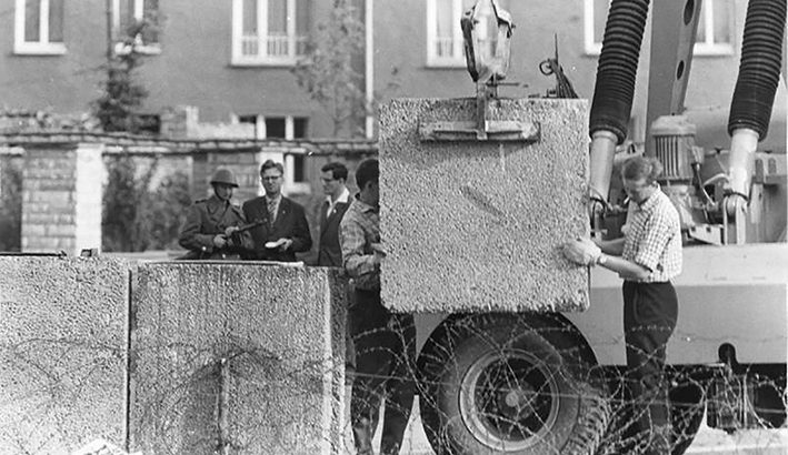 Sessanta anni fa un muro blindò Berlino
