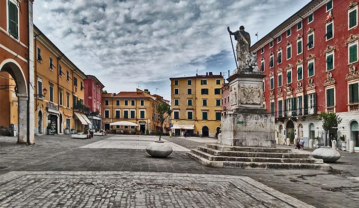"Piazza Alberica: da  spazio marginale alla ""più bella di Carrara"""